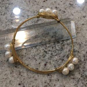 Bourbon & Bow ties pearl bracelet
